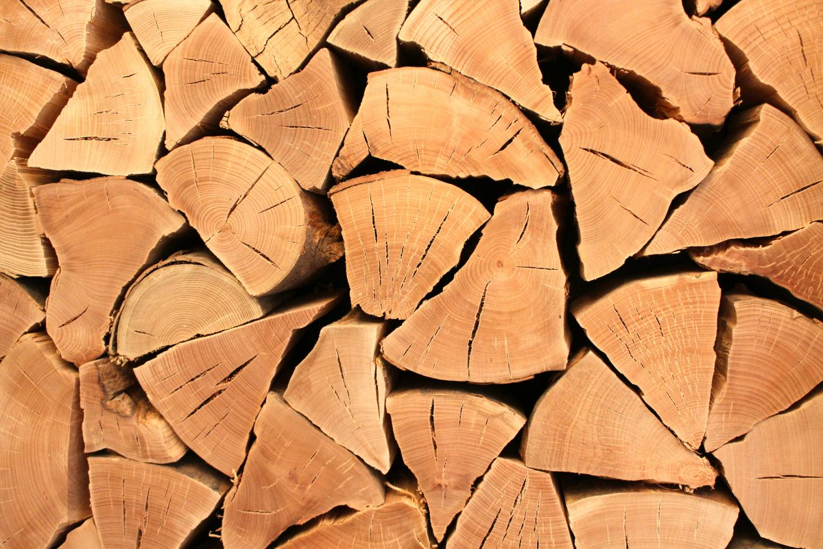 naturally seasoned logs for firewood